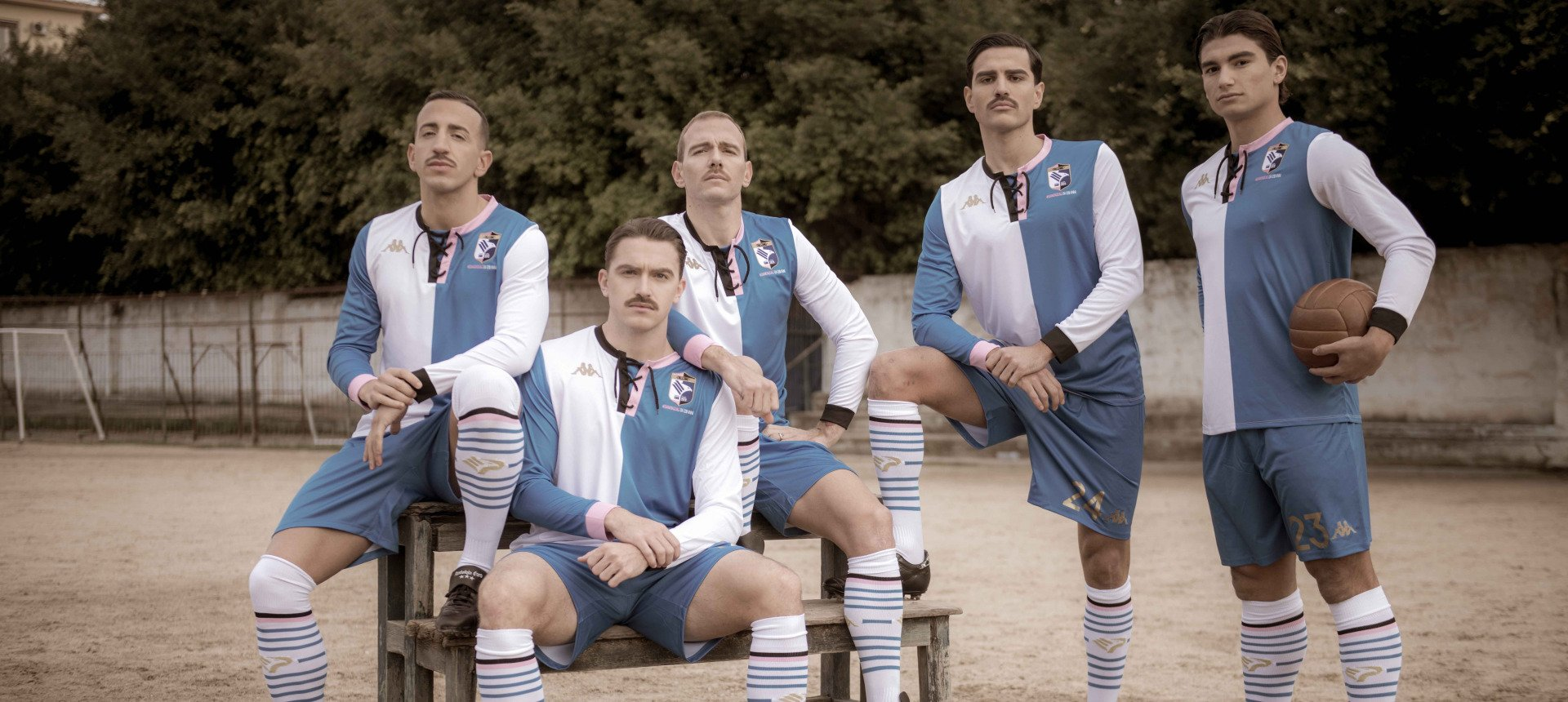 LIKE THE PIONEERS OF THE BEGINNING OF THE '900: PALERMO PLAYERS AS RETRO MODELS FOR THE NEW 120TH ANNIVERSARY T-SHIRT