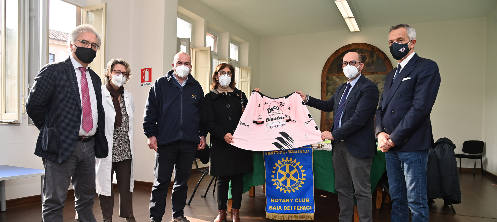 Palermo t-shirts become scrubs for young patients at the Children's Hospital