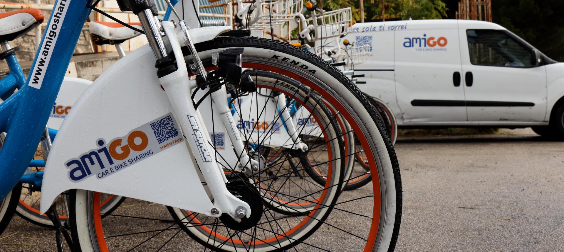 Palermo F.C. e Amat: inaugurato il primo cicloparcheggio per i tifosi rosanero