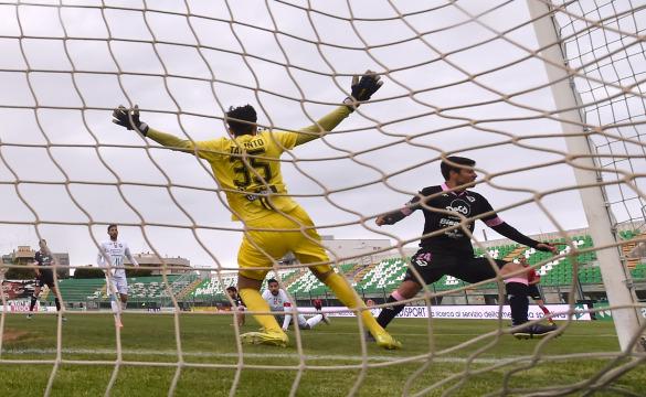 Monopoli-Palermo 2-1: gli highlights