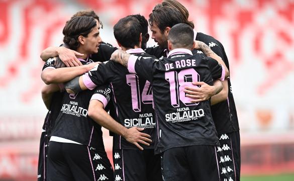 Bari Palermo 2-2: gli highlights